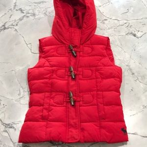 Abercrombie Kids Red Puffer Hooded Vest, size L